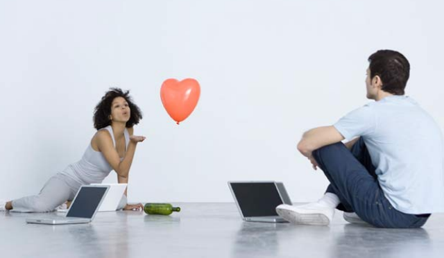 Ask Max: Is my online suitor a cad?