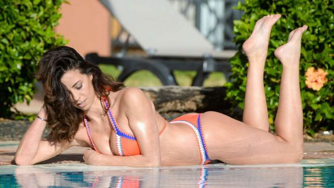 Pascal Craymer hots the pool in Tenerife